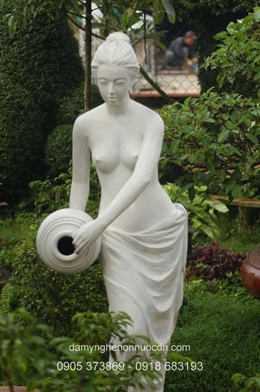 Tượng cô gái nghệ thuật