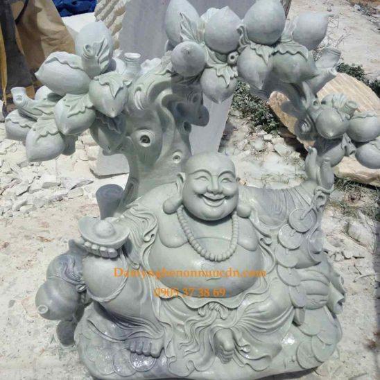 Tượng Phật Di Lặc gốc đào
