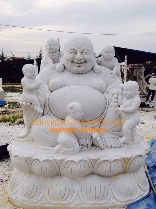 Tượng Phật Di Lặc bằng đá