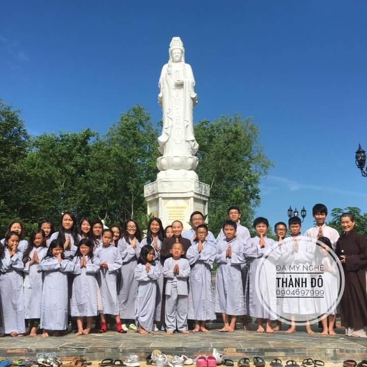 Chế tác và vận chuyển tượng Quan Âm 4m và bộ đồ thờ cúng cho chùa Tuệ Quang