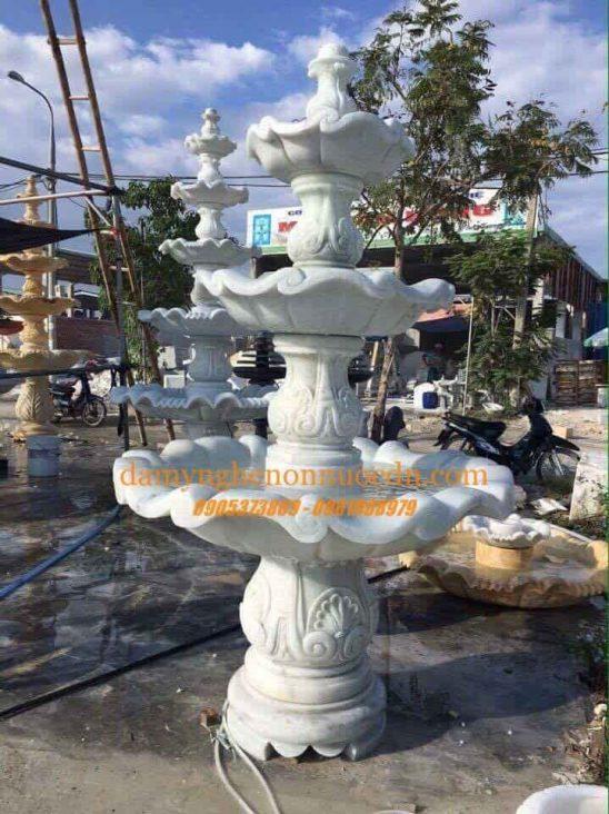 Đài Phun nước đá tự nhiên