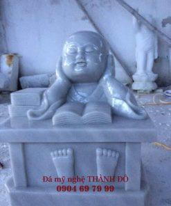 Tượng Chú Tiểu ngây thơ bằng đá