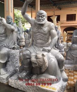 Tượng La Hán Phục Hổ