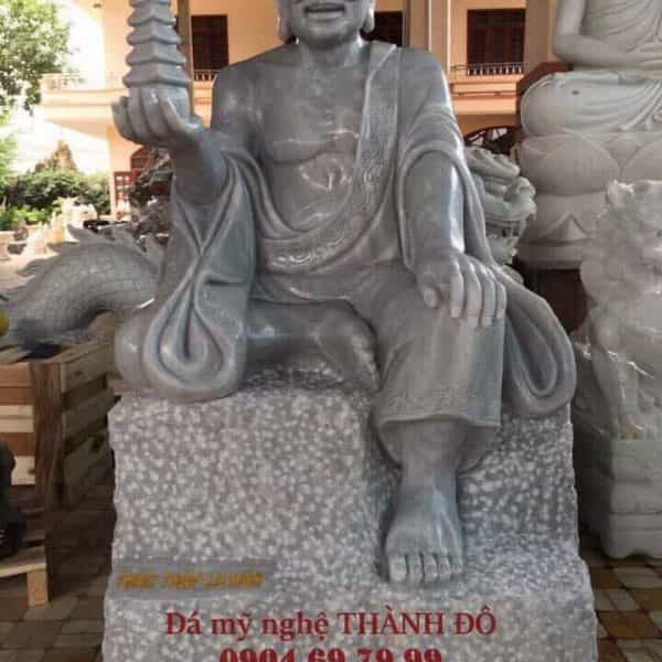 Tượng La Hán Thác Tháp