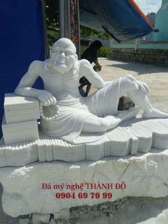 Tượng La Hán Ba Tiêu bằng đá