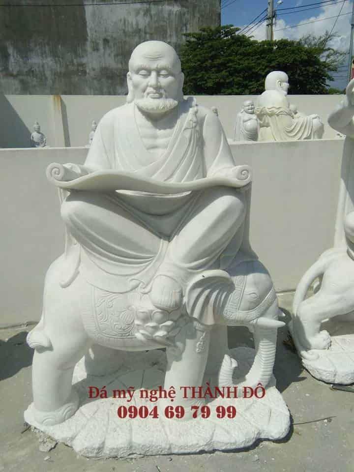 Tượng La Hán Kỵ Tượng bằng đá