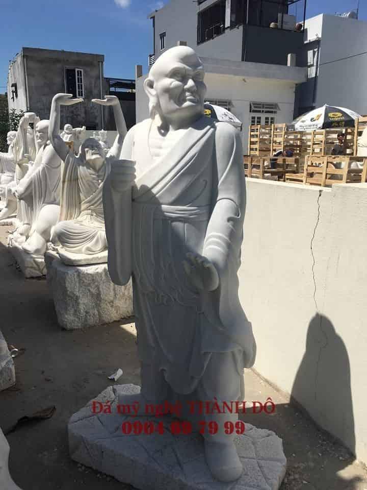 Tượng La Hán Kháng Môn bằng đá