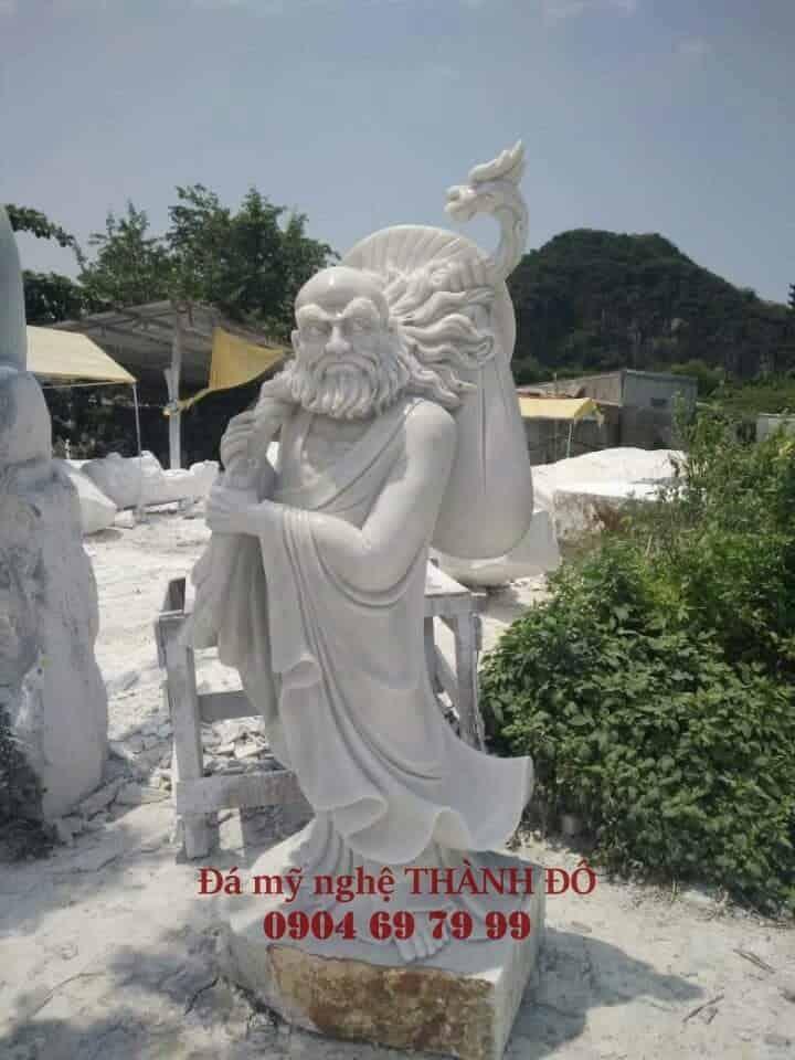 Tượng La Hán Quá Giang bằng đá