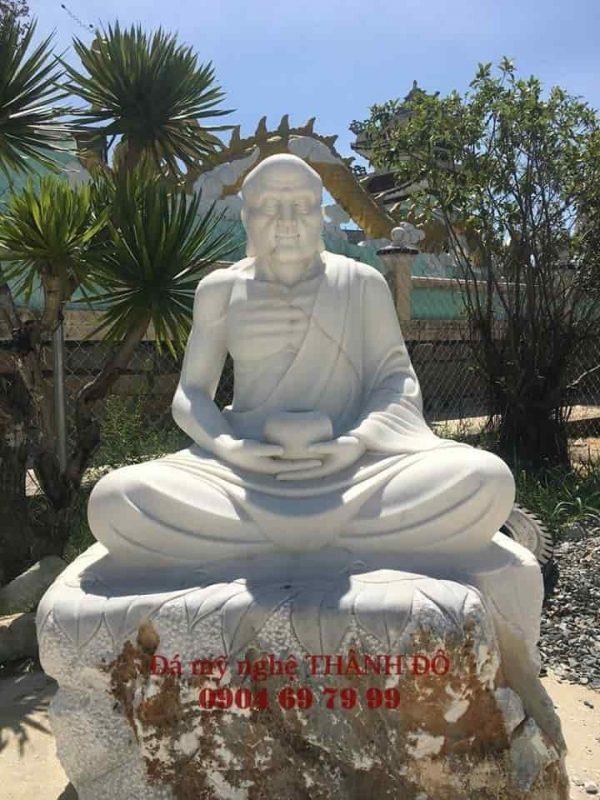 Tượng La Hán Tĩnh Tọa bằng đá