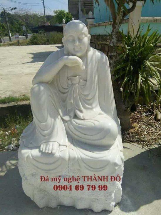 Tượng La Hán Trầm Tư bằng đá