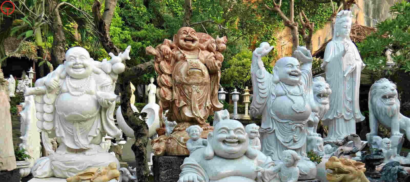 Làng đá Non Nước Đà Nẵng từ lâu đã nổi tiếng với những tác phẩm đá tinh xảo, ấn tượng