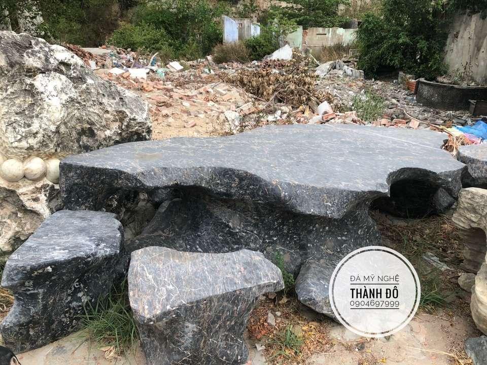Bộ bàn ghế đá tự nhiên để sân vườn