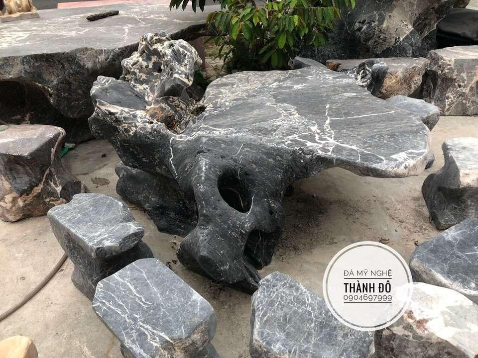 Bộ bàn ghế đá