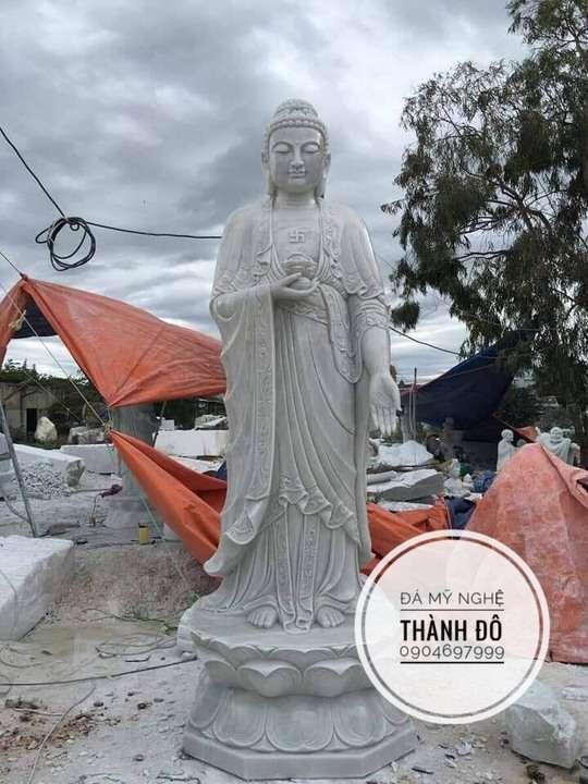 Tượng Phật A Di Đà đứng bằng đá tự nhiên