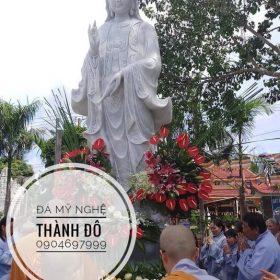 Tượng Phật Quan Âm chùa Long Thành
