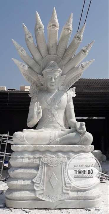 Tượng Phật Thích Ca được rắn thần bảo vệ