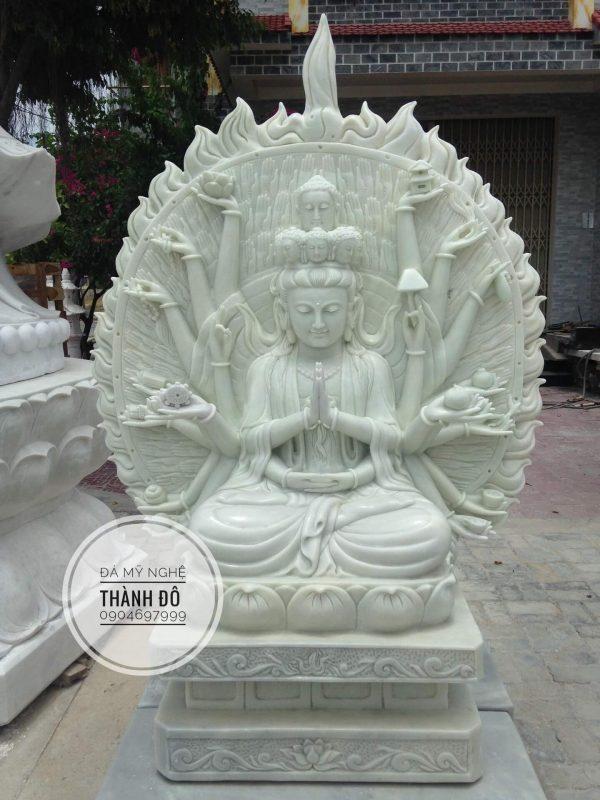 Tượng Phật bà Quan Âm nghìn mắt nghìn tay còn gọi là Quan Âm Thiên Thủ Thiên Nhãn