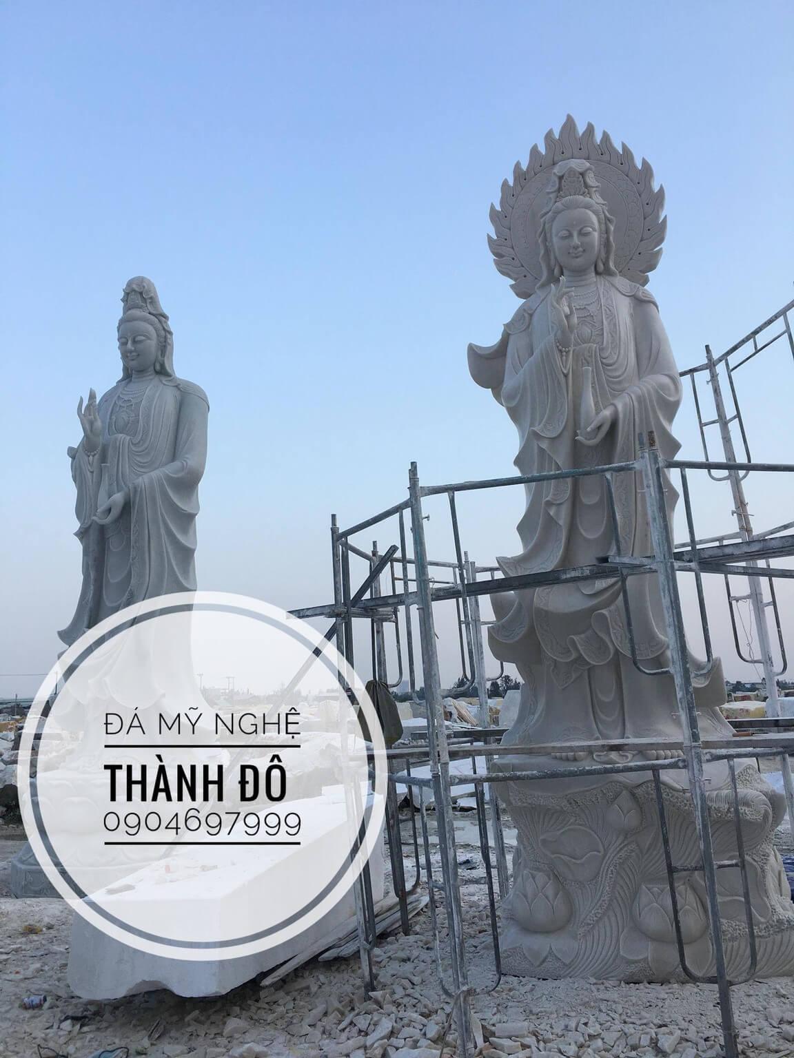 Tượng Phật bà Quan Thế Âm lớn nhất bằng đá nguyên khối