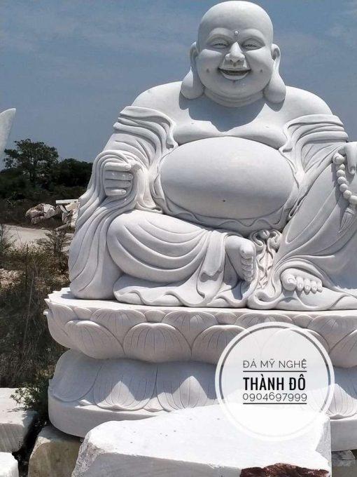 Tượng Phật Di Lặc ngồi cao 2.5m