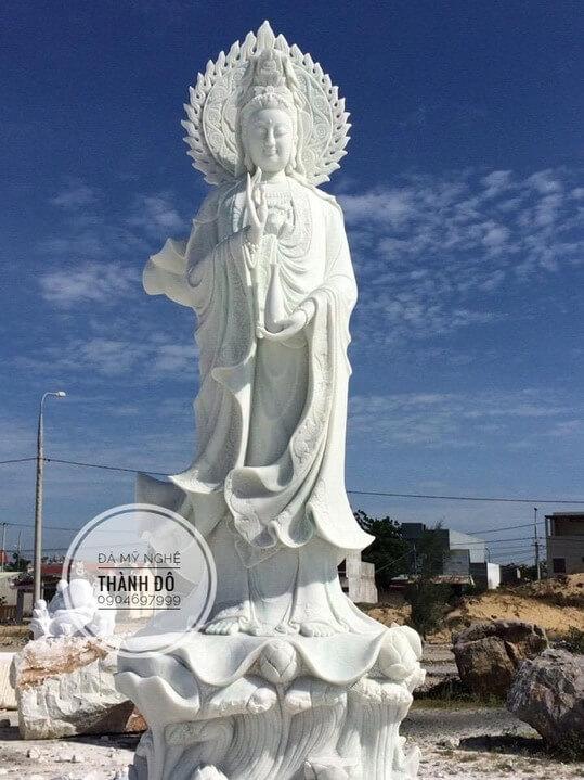 Giá tượng Phật Quan Âm bằng đá
