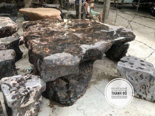 Bộ bàn ghế đá nguyên khối