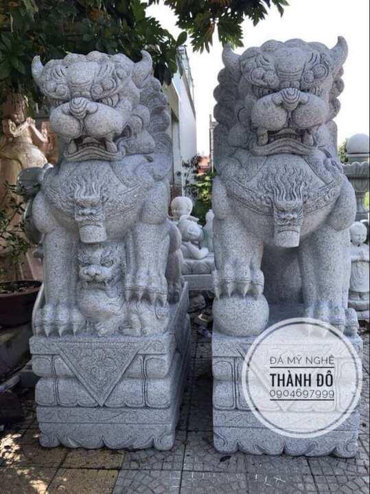 Vị trí đặt tượng kỳ lân chuẩn là con đực bên phải, con cái bên trái theo hình
