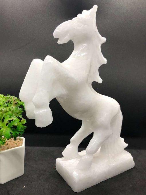 Tượng ngựa phong thủy để bàn