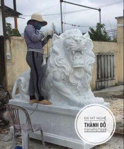 Tượng sư tử đá Non Nước
