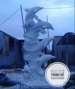Tượng cá heo đá tự nhiên cao 3.5m