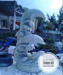 Tượng cá heo phun nước