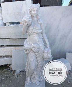 Tượng cô gái bằng đá cẩm thạch nguyên khối