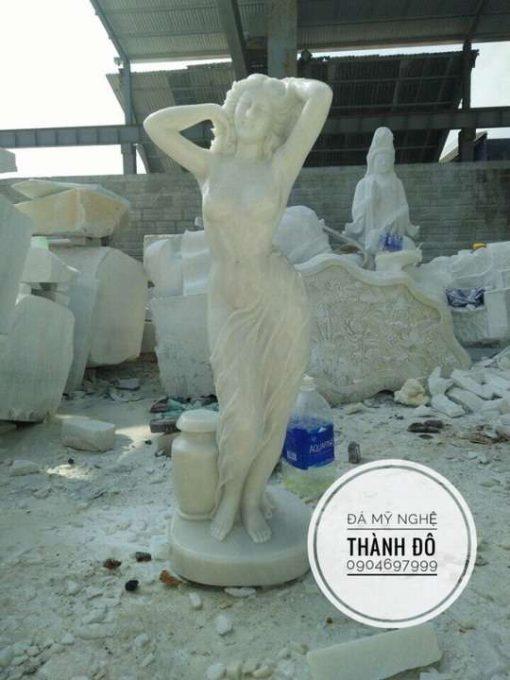 Tượng cô gái nghệ thuật bằng đá
