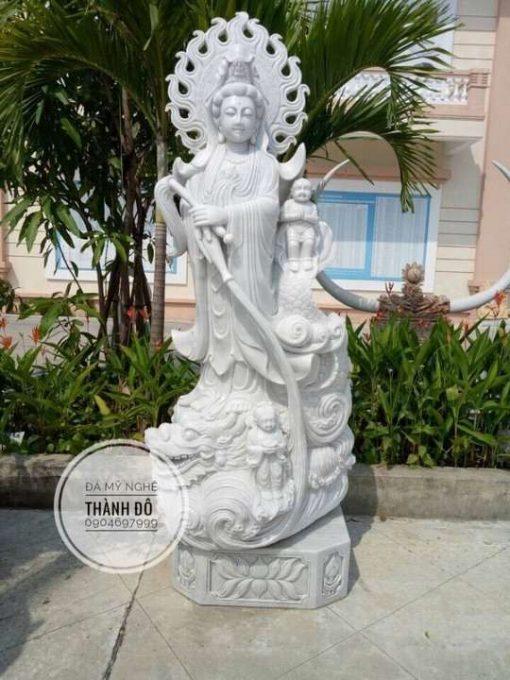 Tượng Phật bà Quan Âm bằng đá tự nhiên