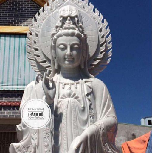 Tượng Phật Quan Âm bằng đá cẩm thạch