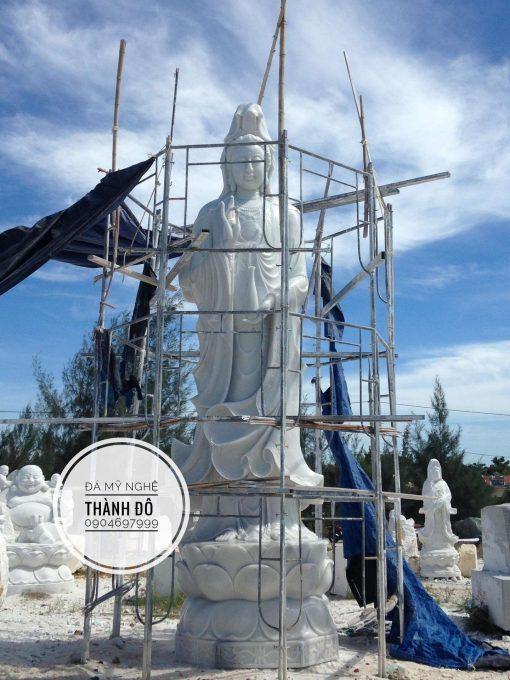 Tượng Phật Quan Âm bằng đá cao 7m