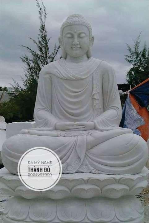 Tượng Phật Thích Ca bằng đá 2.5m