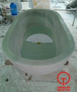 Bồn tắm bằng đá nguyên khối