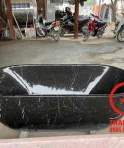 Bồn tắm đá đen