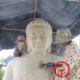 Quá trình mài tượng Phật Thích Ca tại xưởng