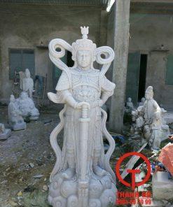 Tượng Hộ Pháp bằng đá trắng