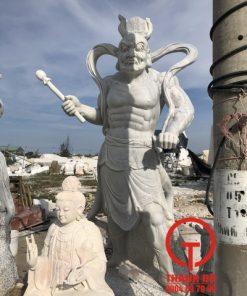 Tượng Kim Cang bằng đá nguyên khối