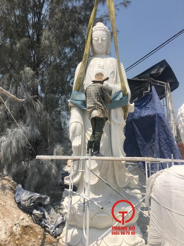 Tượng Phật A Di Đà bằng đá tự nhiên, nguyên khối