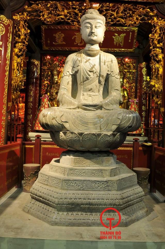 Tượng Phật A Di Đà chùa Phật Tích Bắc Ninh