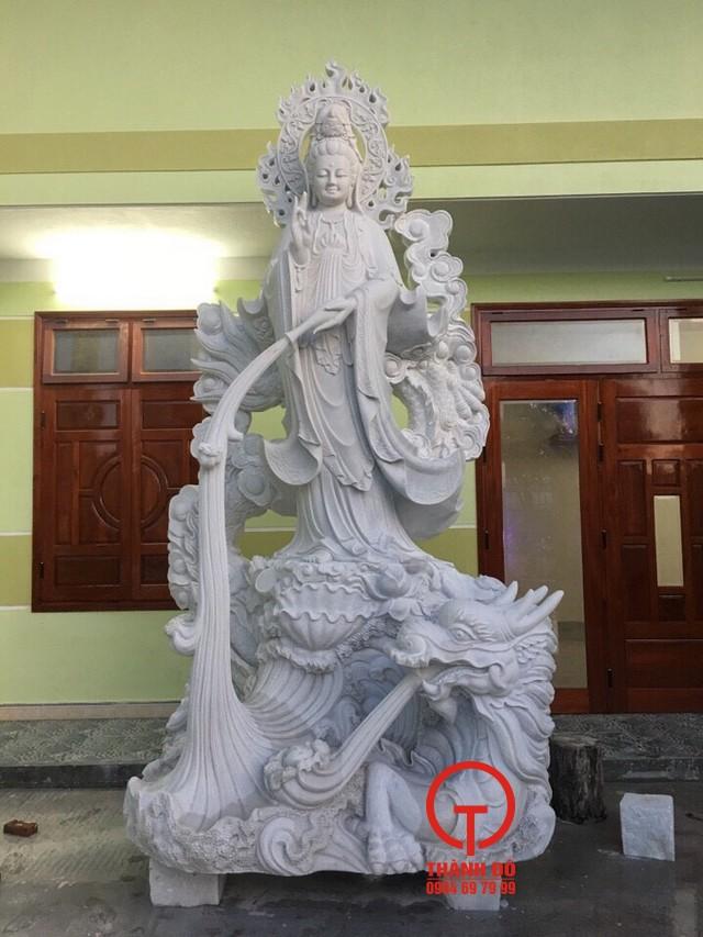 Tượng Phật Quan Âm cưỡi rồng