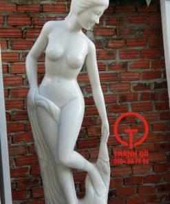 Tượng cô gái đá cẩm thạch trắng nguyên khối