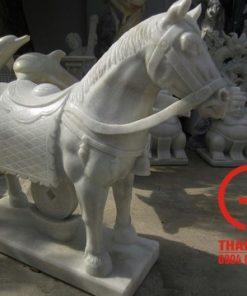 Tượng ngựa phong thủy bằng đá tự nhiên
