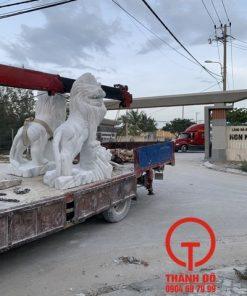 Tượng sư tử đá cao 2.2m