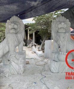 Tượng sư tử đá tự nhiên cao 2.2m