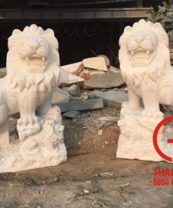 Tượng sư tử đứng núi đá cẩm thạch
