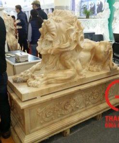 Tượng sư tử nằm đá tự nhiên